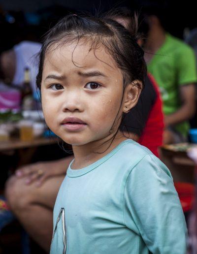 Portrait de petite fille, Luang Prabang, Laos. Massimo Municchi photographe
