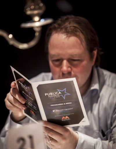 Publica Awards 2017-Bruxelles- portrait d'un homme dans l'audience