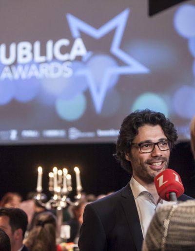 Publica Awards 2017-Bruxelles- un gagnant lors d'une interview