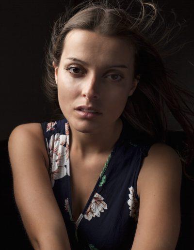 portrait-studio-mode-jeune-fille