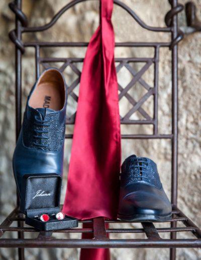 Jumeaux – chaussures – cravate – photographie de mariage