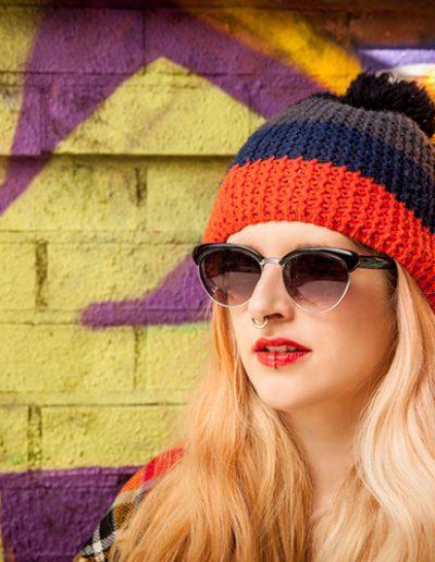 Portrait de rue de jeune femme – Urban portrait